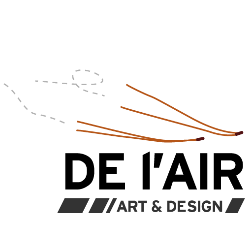 Logo DE L'AIR - Deux aiguilles de pins qui s'envollent comme des avions - DE -L-AIR + sous-titre Art & Design
