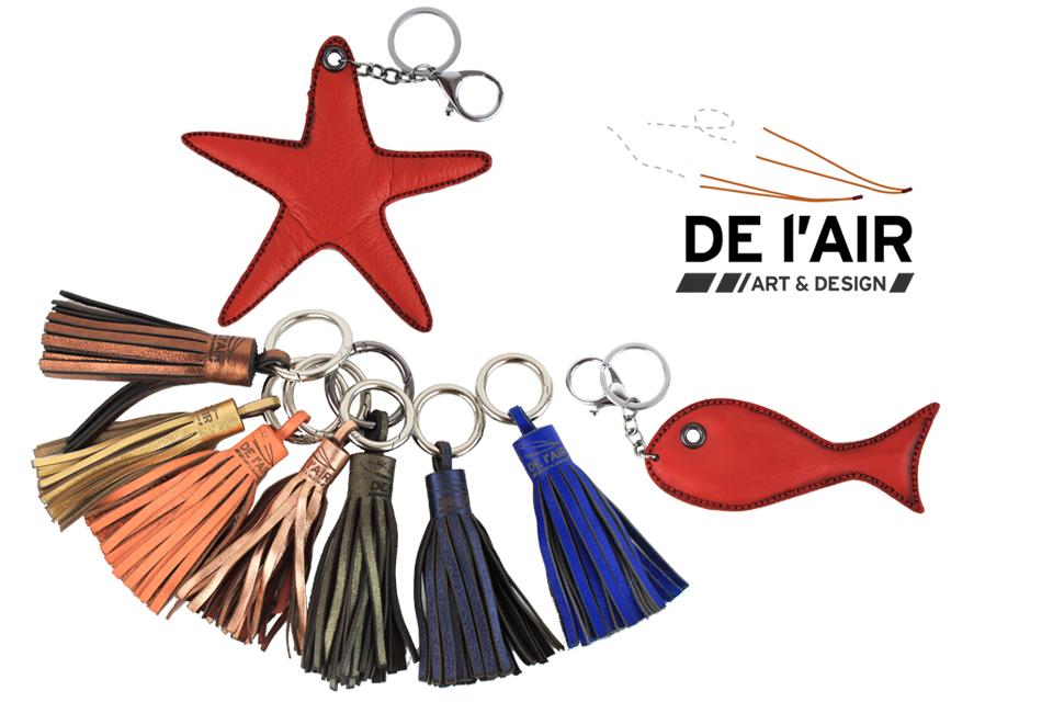 Portes-clefs en cuir, pompons et faunes aquatique