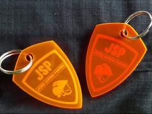 Portes-clefs en plexiglas personnalisés pour les jeunes sapeurs pompiers