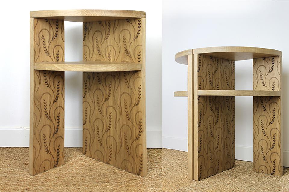 Tables de chevet en chêne avec gravure intérieure personnalisée