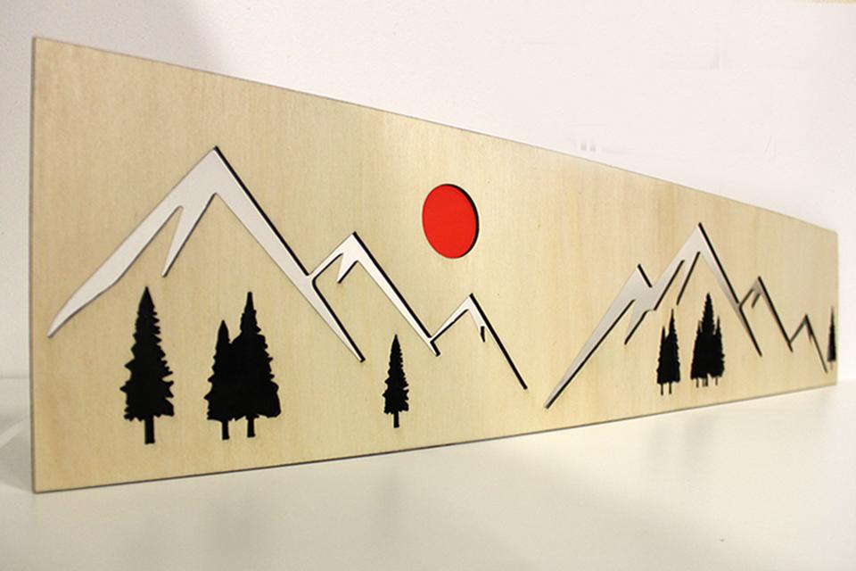 Claustra Bois et plexiglas avec un paysage de montagne